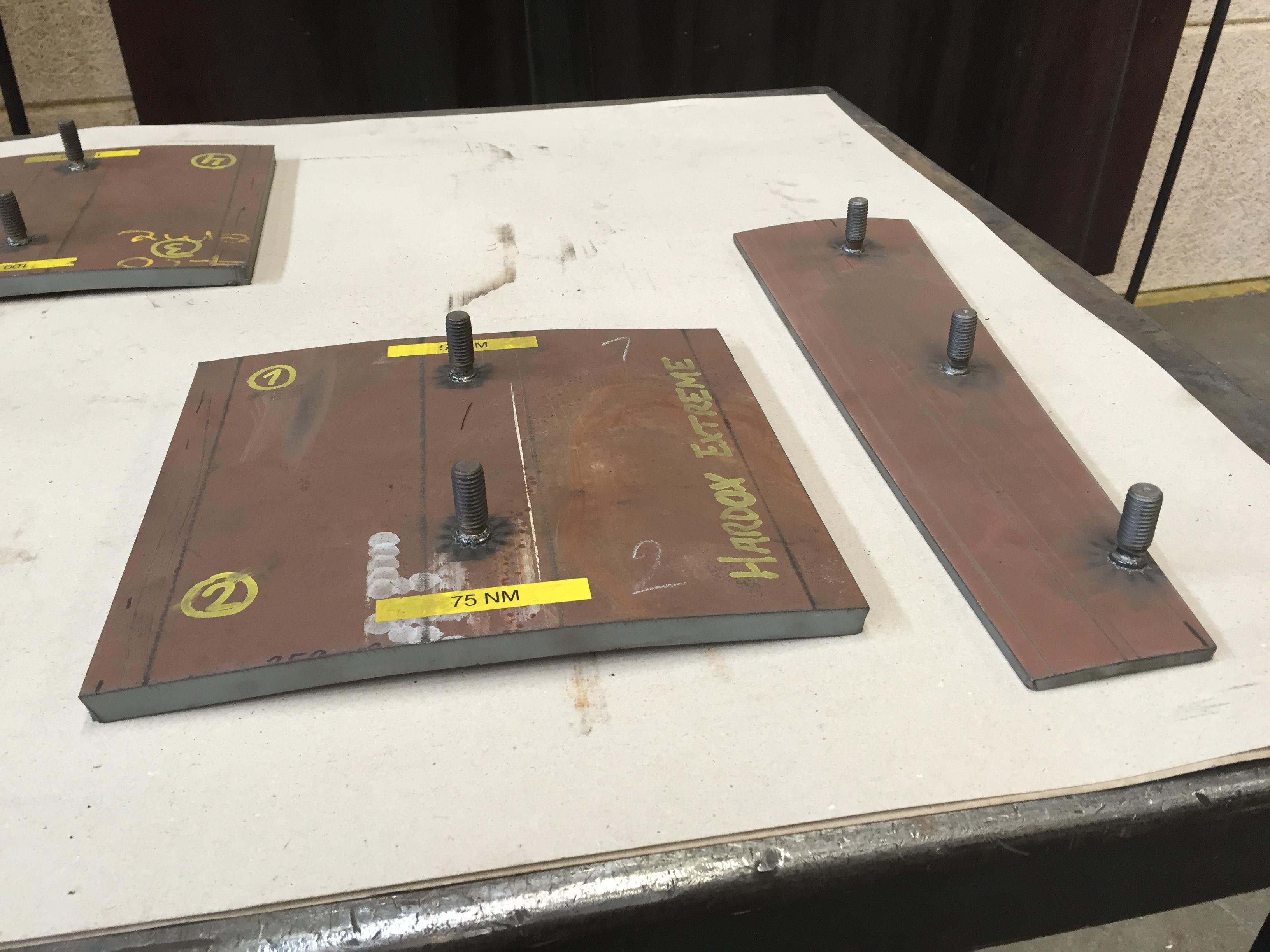 Boltsvejsning - test i HARDOX Extreme