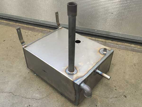 Tank i sort stål Lagervare