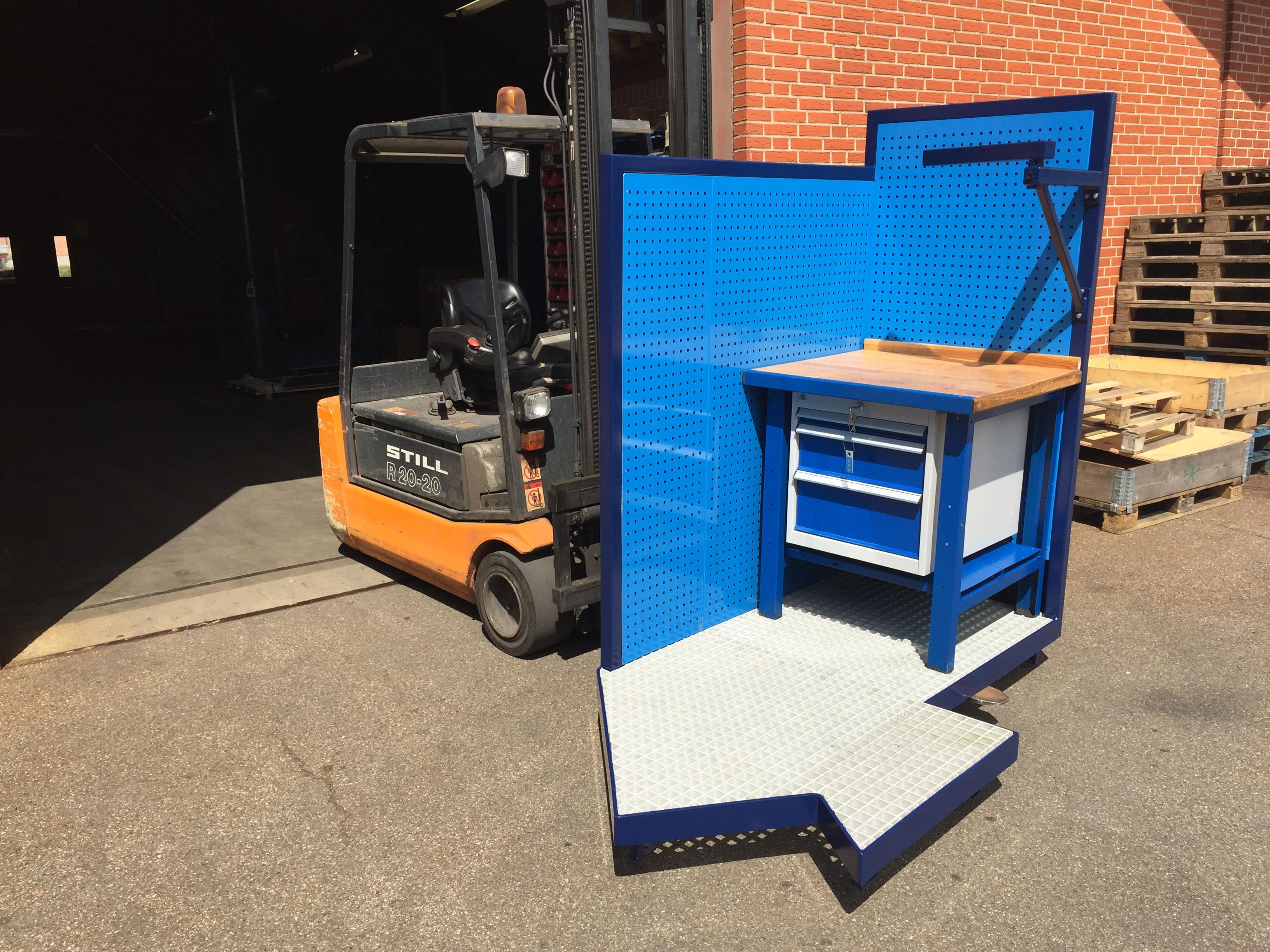 Arbejdsplatform med inventar og fiberrist - Monteret og klar til levering