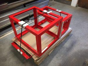 Overfladebehandlede rammer klar til levering