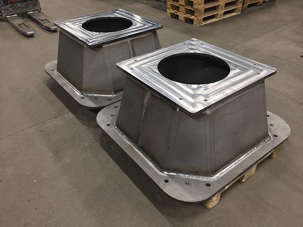 Store robotsokler i stål